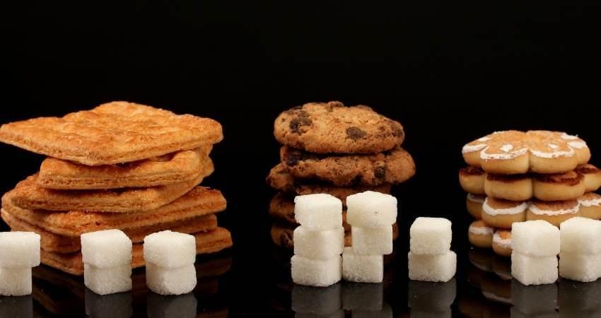 クッキーと砂糖の塊